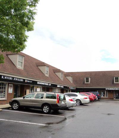 Crestline Corners Shopping Center in Mountain Brook, AL